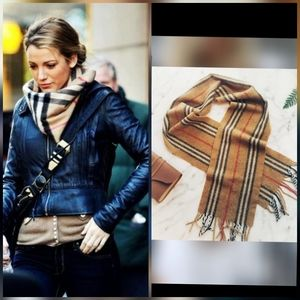 BURBERRY HOUSE CHECK LAMBSWOOL CLASSIC SCARF
